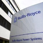 Neues Rolls Royce Firmenlogo vor der Hauptverwaltung in Friedrichshafen.