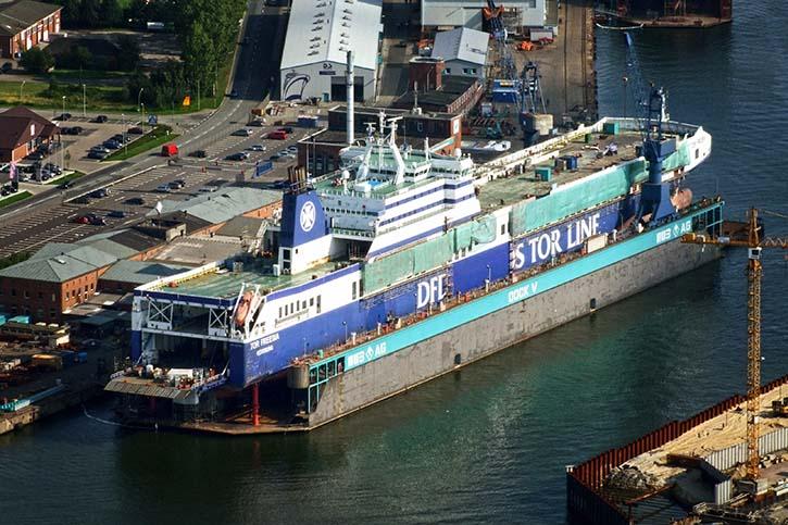 Luftbilder von der damaligen Verlängerung der FICARIA und FREESEA SEAWAYS aus dem Jahr 2009 bei MWB in Bremerhaven.