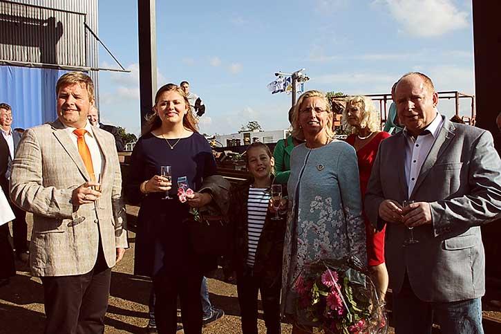 Von Links: Ch. Hochbein, Namensgebering Anne Beau, Taufpatin Charlotte Bastert, D. Gausch.