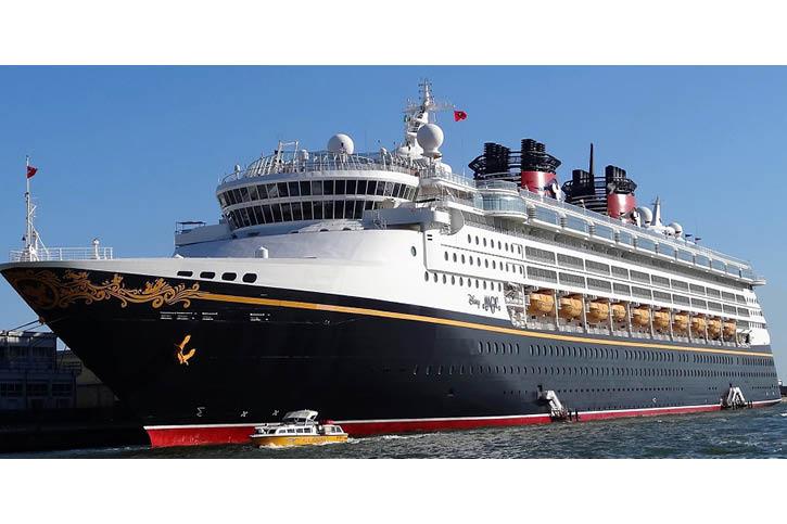 Schiffsbemalung der Disney Magic.
