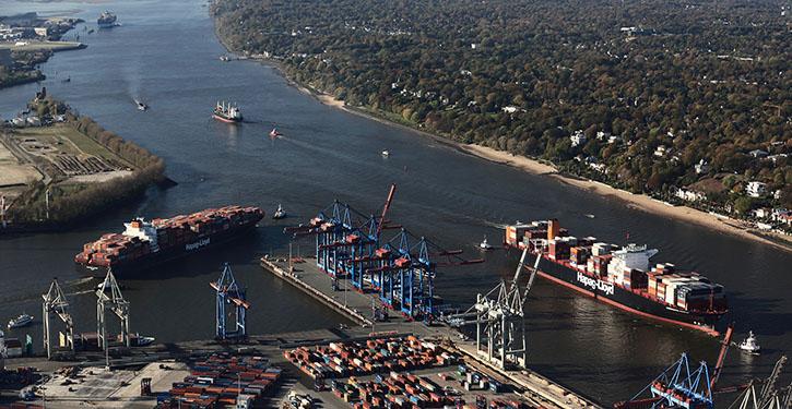 Grosscontainerschiffe im Hamburger Hafen