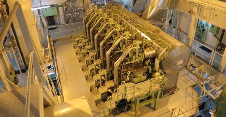 """Ansicht des 7G50ME-C9.5-GIE-Motors an Bord der """"GasChem Beluga"""""""