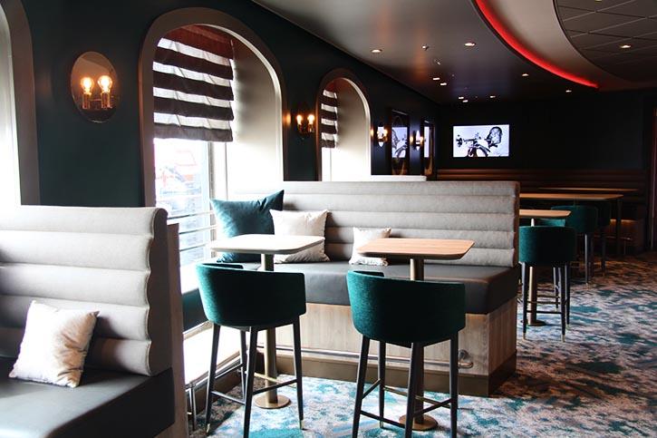 Schau Bar der MEIN SCHIFF 6 wurde im Stil eines Jazz Club eingerichtet.