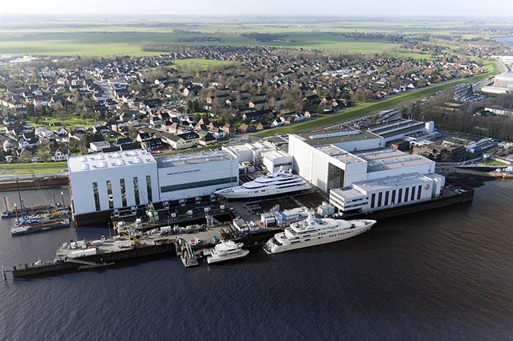 Luftbild der Werft Abeking&Rasmussen. © A&R