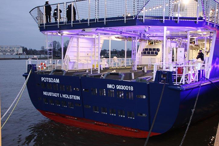 Heckwannen für die Aufnahme von zusätzlichen Kontrollbooten