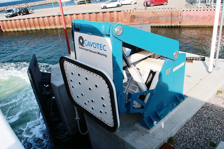 Auch ein vollautomatisches Vakuum Mooring System von Cavotec unterstützt die Effizienz der Fähre.