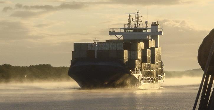 Die international Schifffahrt muß ihre CO2-Emissionen verringern