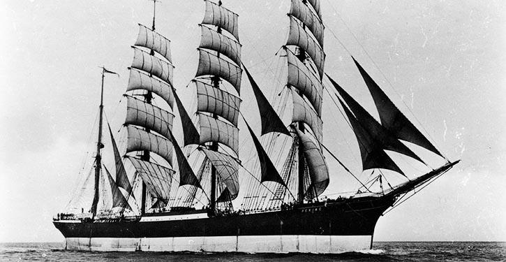 PEKING unter vollen segeln