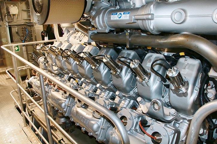 MTU Ottomotoren mit einer Leistung von 1.492 kW bei 1.600/min